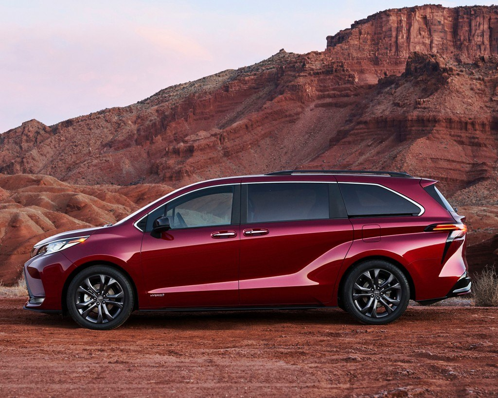 toyota-register-for-updates-2021-sienna-xse-profile-ruby-flare-pearl-l
